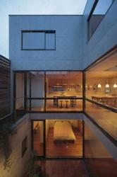 12こぢこぢ一級建築士事務所「中庭のある家」竣工写真